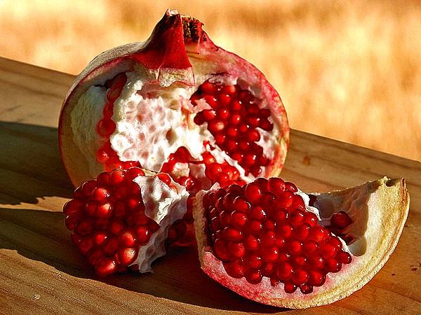 melograno frutto aperto.jpg