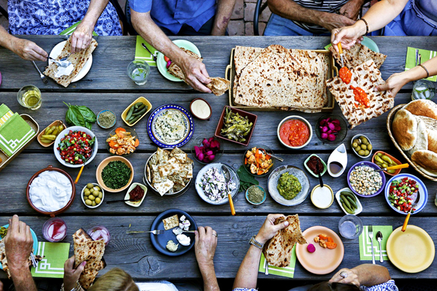 social_mezze_party_israel.jpg