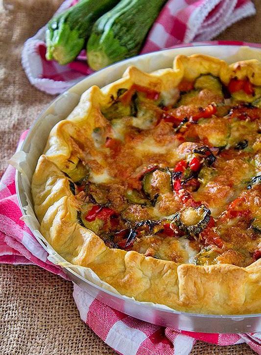 torta_con_zucchine_peperoni_mozzarella1.jpg