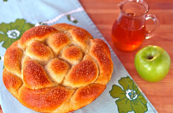 apple-honey-challah3.jpg