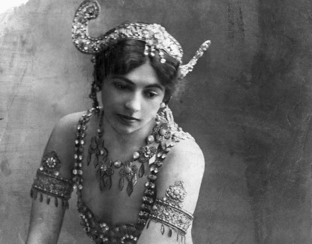 a-portrait-of-mata-hari-1907_cr.jpg