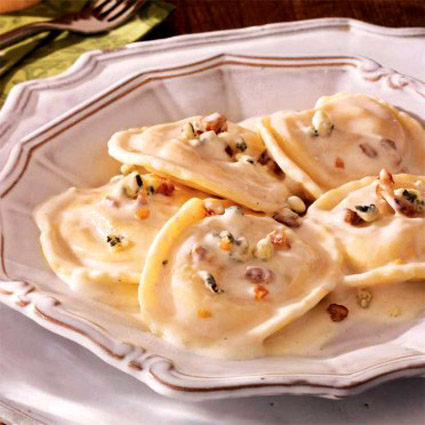 pear pecan ravioli in gorgonzola cream sauce.jpg