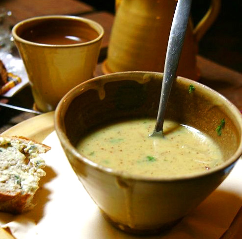 Sp15_must10_zaanse mosterdsoep_creamy m soup.jpg