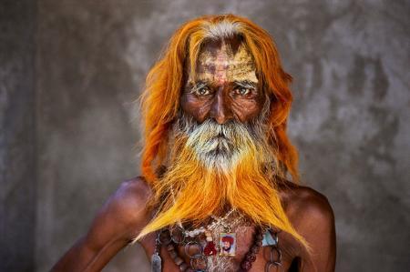 RABARI-TRIBAL-ELDER-RAJASTHAN-INDIA_Steve McCurry.jpg