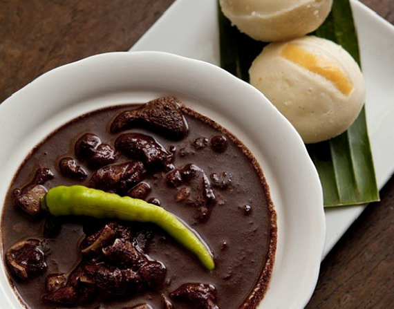 dinuguan_with_steamed_rice_cakes_filippines.png