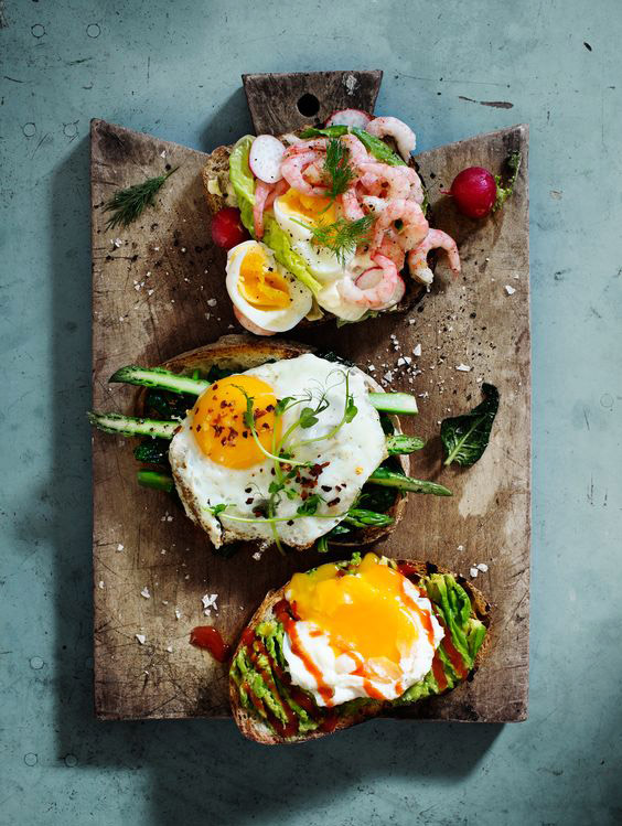eggs_on_roast_photo_by_ulrika_ekblom.jpg
