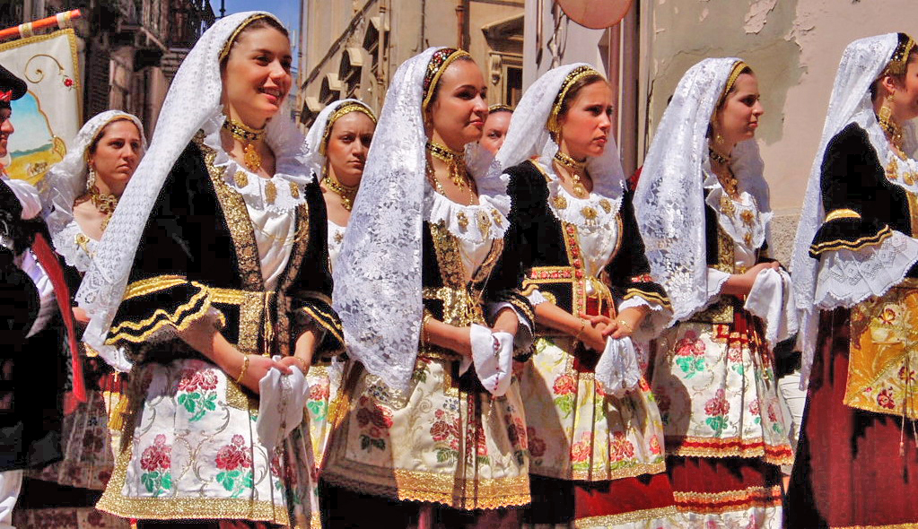 women_of_sardinia.jpg