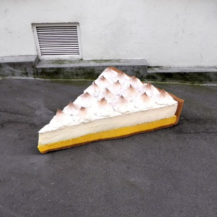 artist-turns-abandoned-mattresses-into-food-sculptures-5bc7bc7bd0b1a_700.jpg
