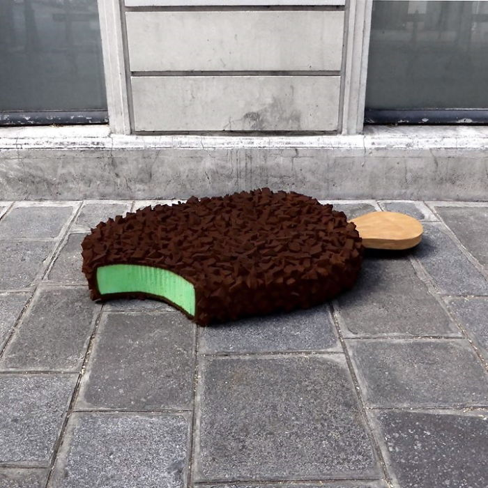 artist-turns-abandoned-mattresses-into-food-sculptures-5bc7bc8857dc2_700.jpg