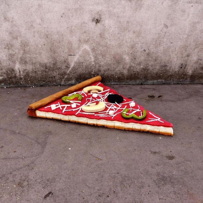 artist-turns-abandoned-mattresses-into-food-sculptures-5bc7bca4883a7_700.jpg