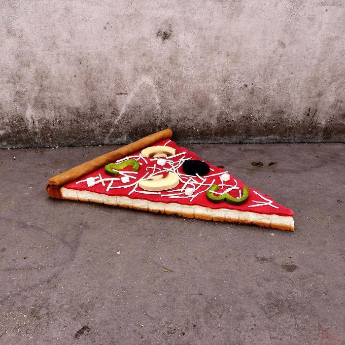 artist-turns-abandoned-mattresses-into-food-sculptures-5bc7bca4883a7_700.jpg