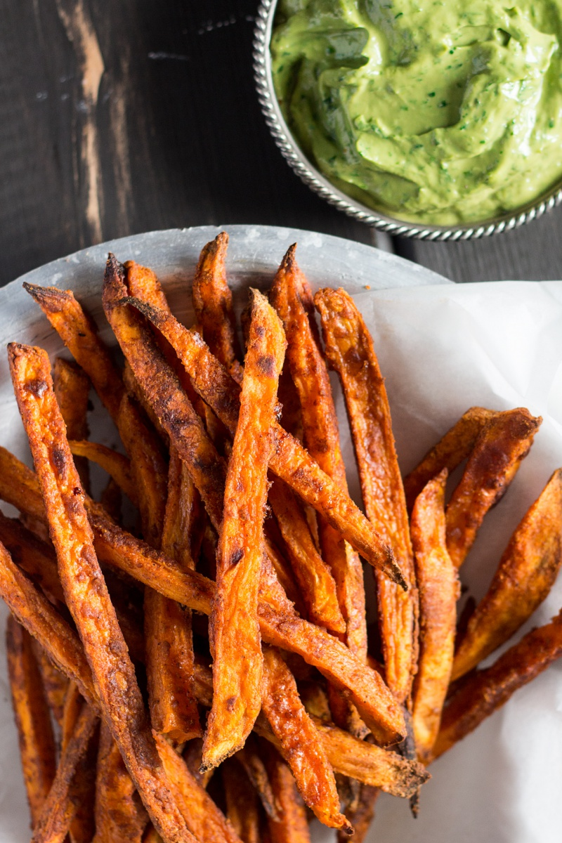crispy-sweet-potato-fries-with-avocado-coriander-dip-topview-800x1200.jpg