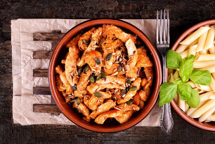 currys_csirke_piritott_magvakkal_kesz-700.jpg