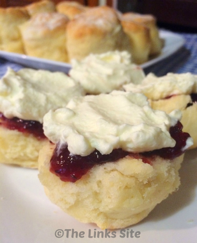 easy-scone-recipe-that-only-has-3-ingredients-thelinkssite_com.jpg
