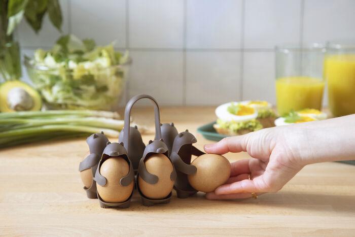 egg-holders-eggbears-peleg-design-2-5fa278015d99f_700.jpg
