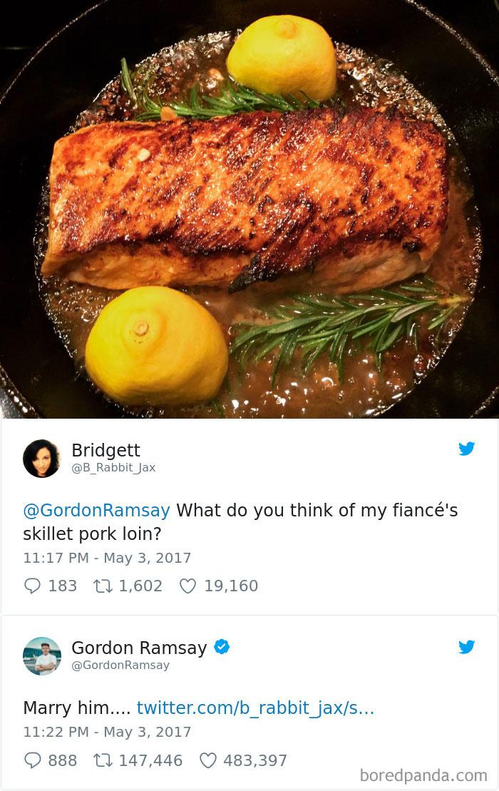 gordon-ramsay-roast-amateur-cooks-twitter-1-5a01bd826b582_700.jpg