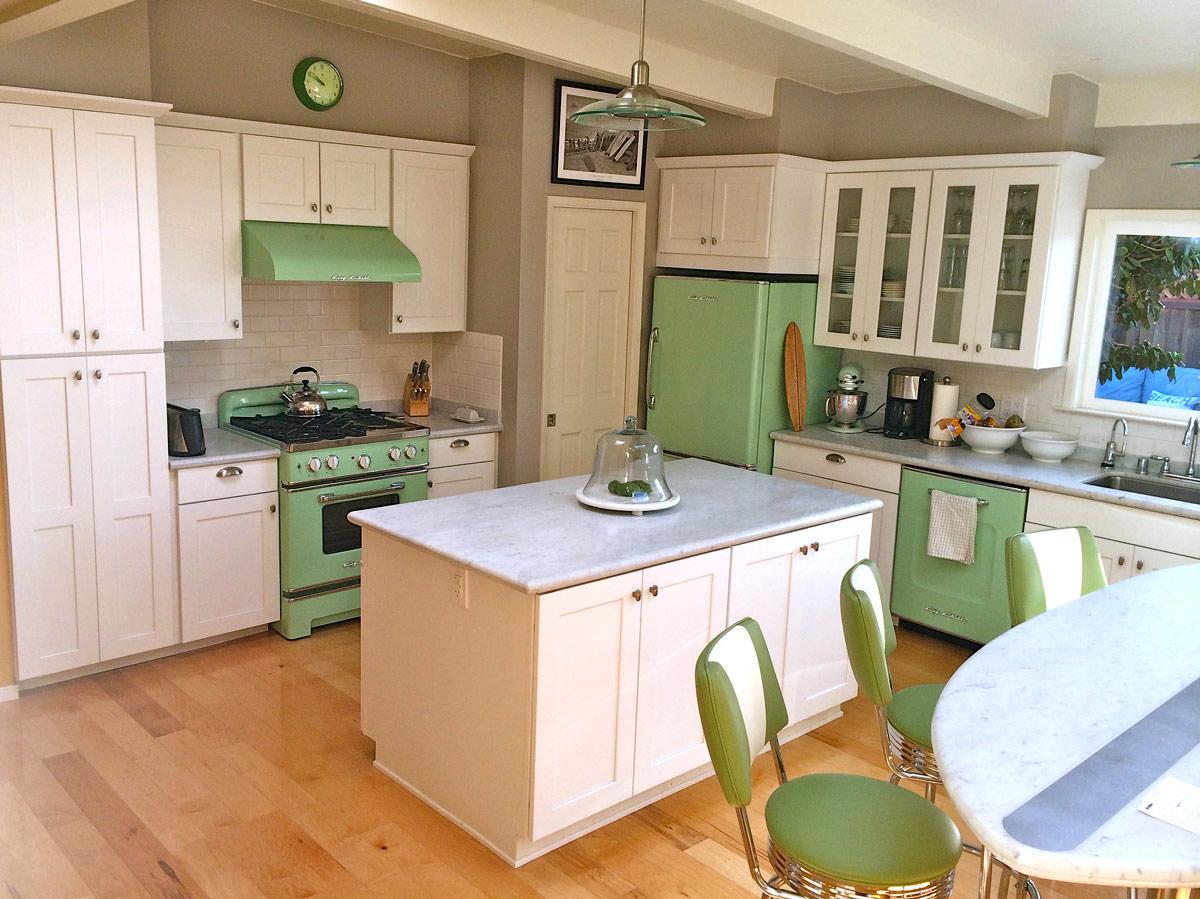 grn-retro-kitchen11.jpg