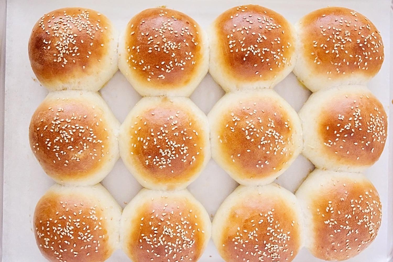 homemade_hamburger_buns_2_1.jpg