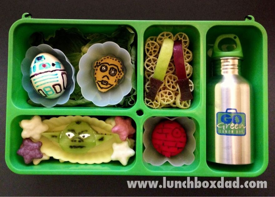 i-make-my-kids-star-wars-lunches-to-take-to-school-7_880.jpg