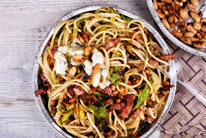 kelkaposztas_mogyoros_spagetti_kesz-700_1.jpg