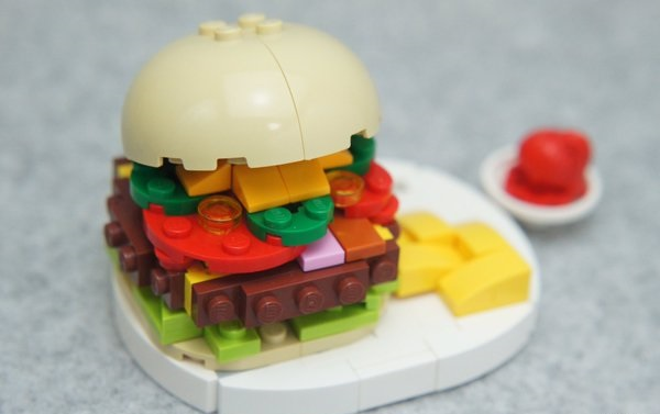 lego_food_burger_1.jpg