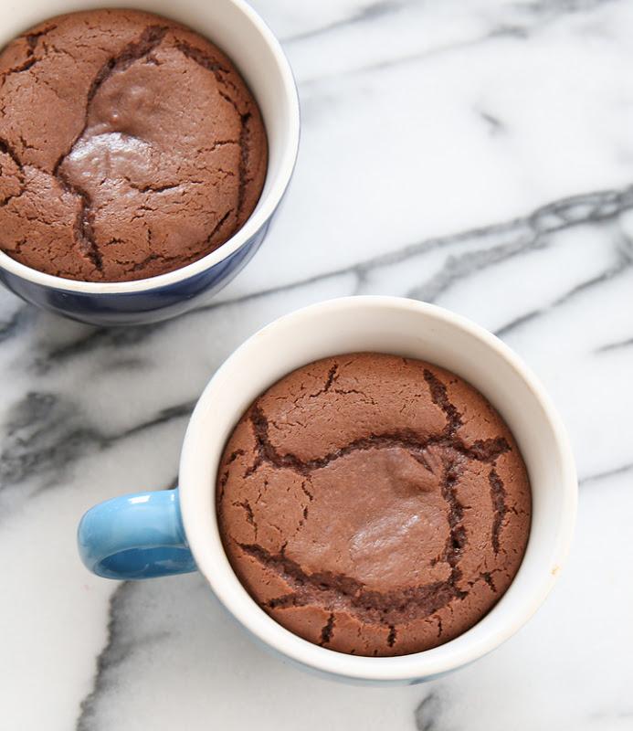 nutella-lava-mug-cakes.jpg