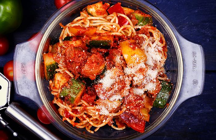 paradicsomos, cukkinis spagetti 2 kész 700.jpg