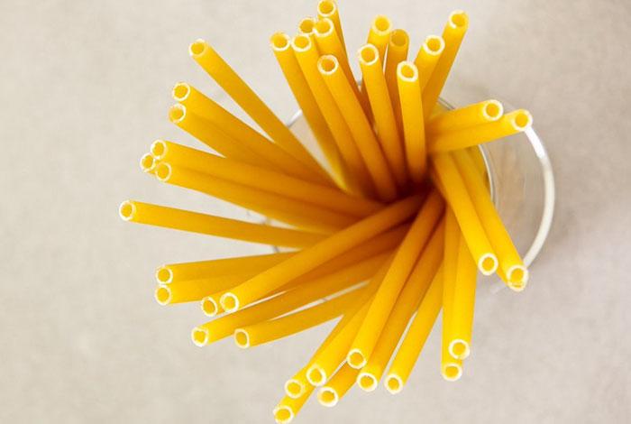 pasta-straws-reduce-plastic-waste-italy-bars-3-5d9c4ea4ebef9_700.jpg