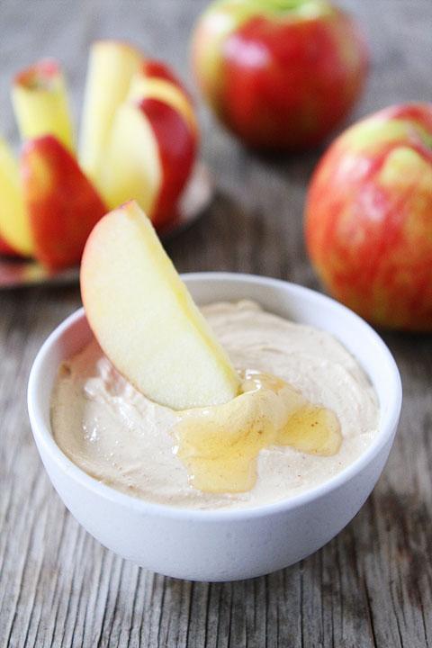 peanut-butter-honey-yogurt-dip-4.jpg