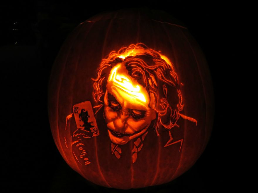 pumpkin-the-joker-59e7436d3ea93_880.jpg