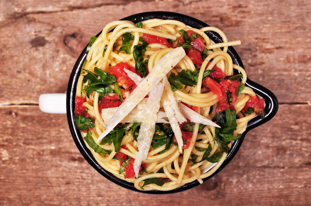 rukkolás, paradicsomos spagetti kész - 1000.jpg