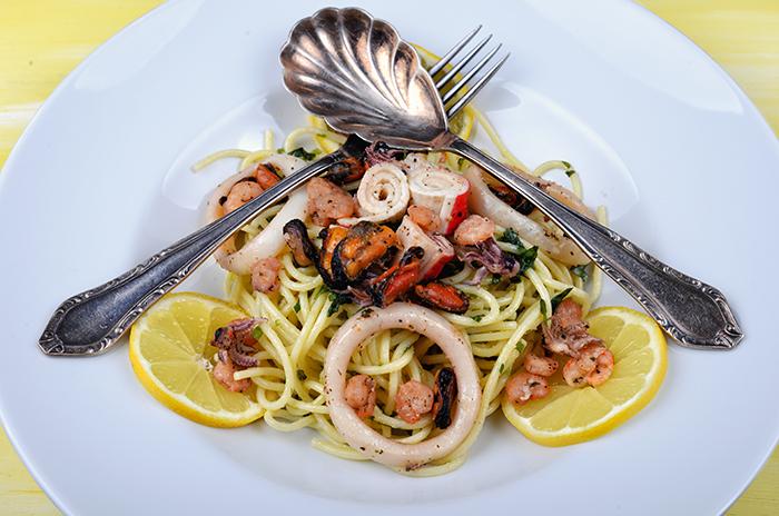 spagetti_tenger_gyumolcseivel_1_kesz_700.jpg