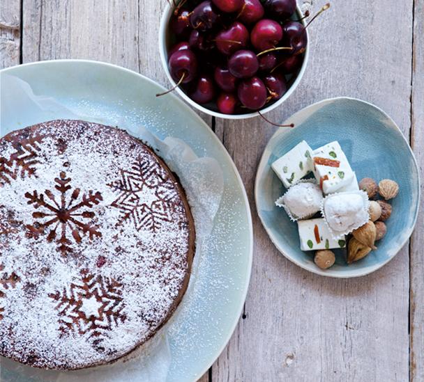 threeingredient_fruitcake-recipe-hero.jpg