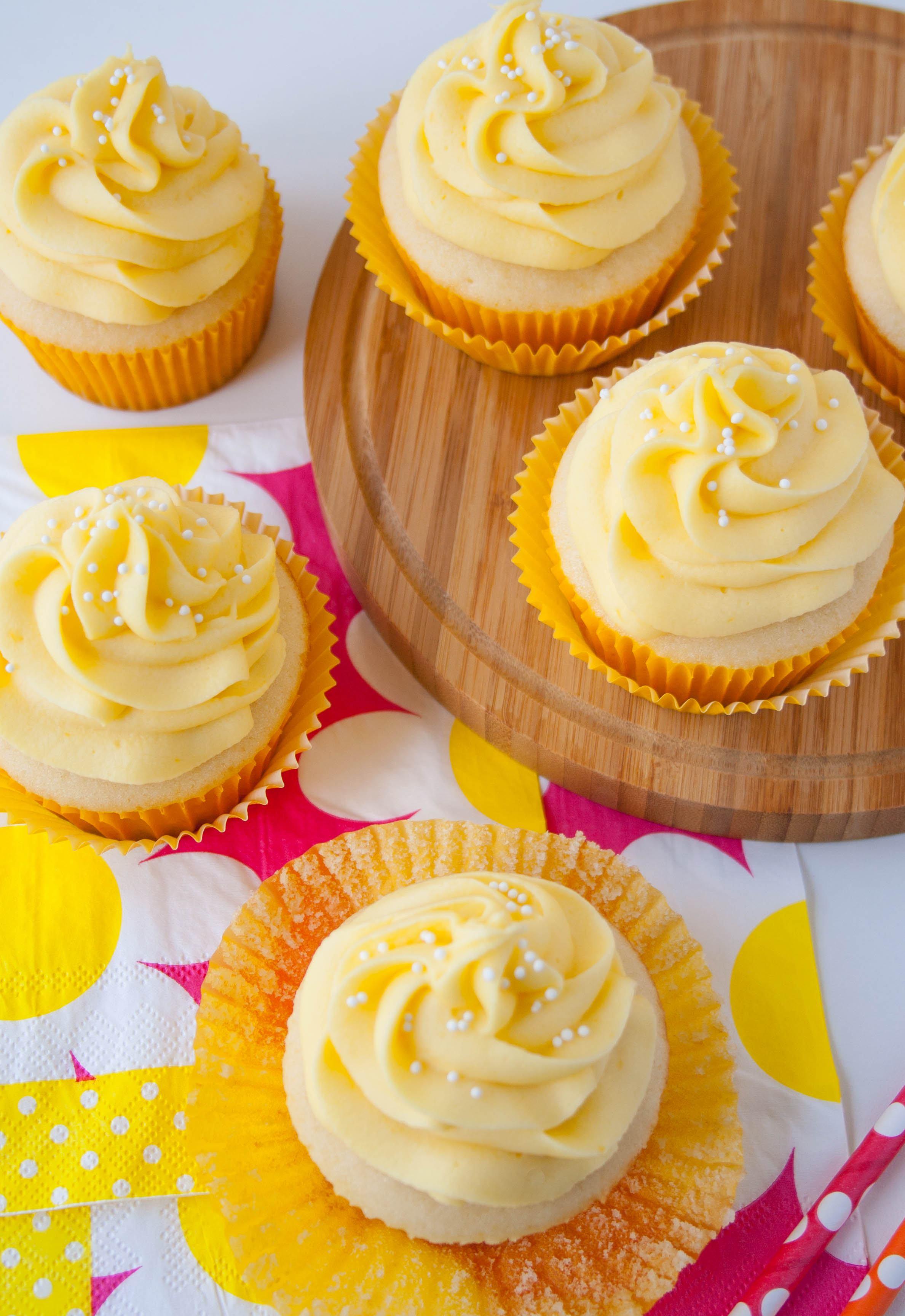 tropical-mango-vanilla-cupcakes-4.jpg