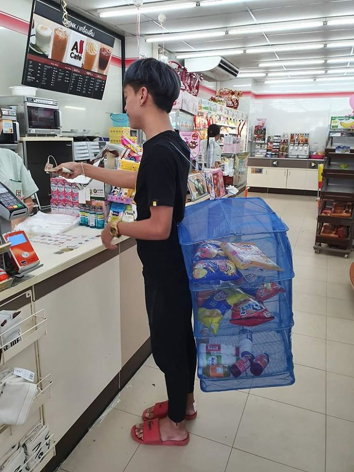 unusual-ways-people-dealing-plastic-bag-ban-thailand-4-5e14391c16632_700.jpg