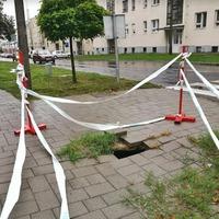 A hiba mielőbbi kijavítását kérik a Bajcsy-Zsilinszky - Kossuth utca kereszteződésében!