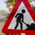 Újabb utak kisebb szakaszai esnek át burkolatfelújításon megyénkben.
