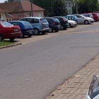 A mai napon kijavították az állomás parkolójának úthibáit.