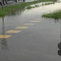 A Mátészalka-Kocsord kerékpárút egyes részein, egy nagyobb eső után, akár csónakázni is lehetne !