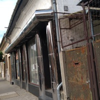 Veszélyesnek tűnik a Kölcsey utcai épület állapota.