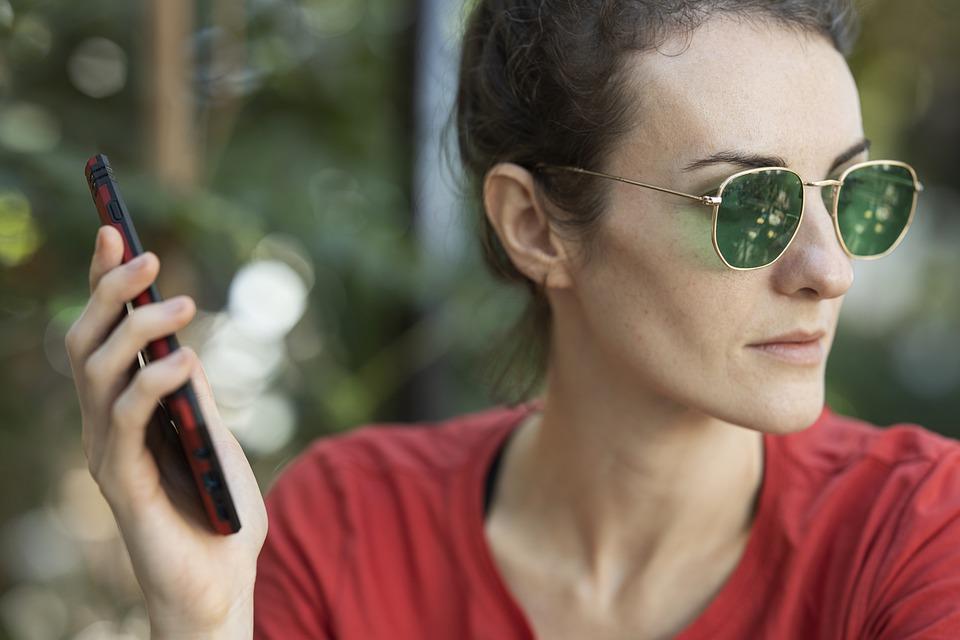 Az Y generáció utál telefonálni, és jól teszi