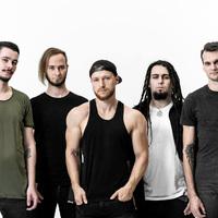 LOVECROSE: lemezelőzetes dal- és klippremier - Nyughatatlan
