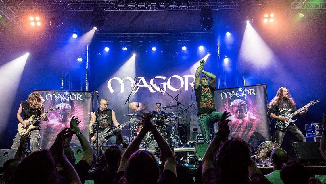 magor_band_live.jpg