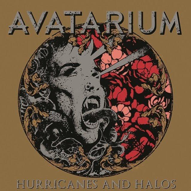 8. Avatarium: Hurricanes and Halos<br /><br />Az elmúlt évek egyik legnagyobb csodája a metalszíntéren egyértelműen az Avatarium, melynek frontasszonya a csodálatos Jennie-Ann Smith. Habár ez a harmadik lemezük egy fokkal halványabb az előző kettőnél, így is meggyőzött, hiszen az azonnal ható, átlagos hosszúságú dalok mellett két igazán epikus hosszúságút (és minőségűt) is kapunk, az összkép pedig sokkal pszichedelikusabb, rockosabb mint eddig, ráadásul kiváló tiszteletadás a '70-es évek nagy öregjei felé.