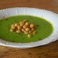 Édesburgonyás zöldborsóleves, sült borsóval, szinte zacskós leves sebességgel