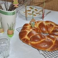 KALÁCS KOSZORÚ a húsvéti asztal dísze