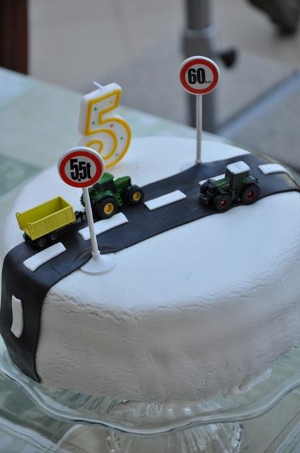fiús szülinapi torták Nagyon gyors fiús torta   Mazsa Konyhája fiús szülinapi torták
