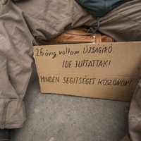 Kollégái felismerték: tényleg újságíró volt a 444 hajléktalanja