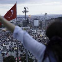 Twitter-háború dúl Törökországban