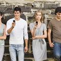 Időtöltés vagy pszichés probléma a kényszeres telefonnézegetés?